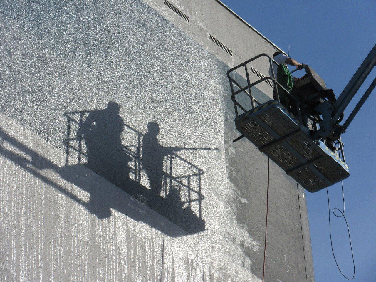 La préparation et le nettoyage de la façade